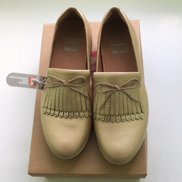 e94d1b391 Fit flop- Gold Loafers- NEW WITH TAGS